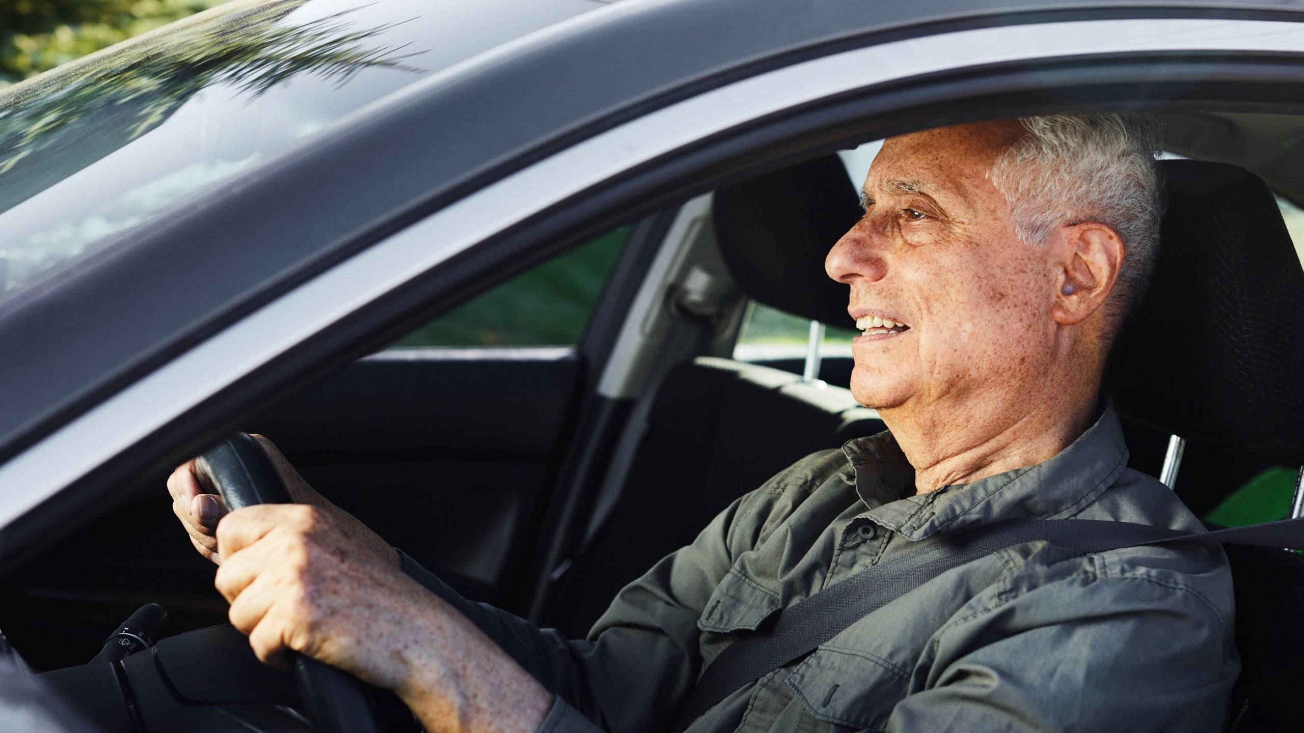 Senior car driver_1556224616241