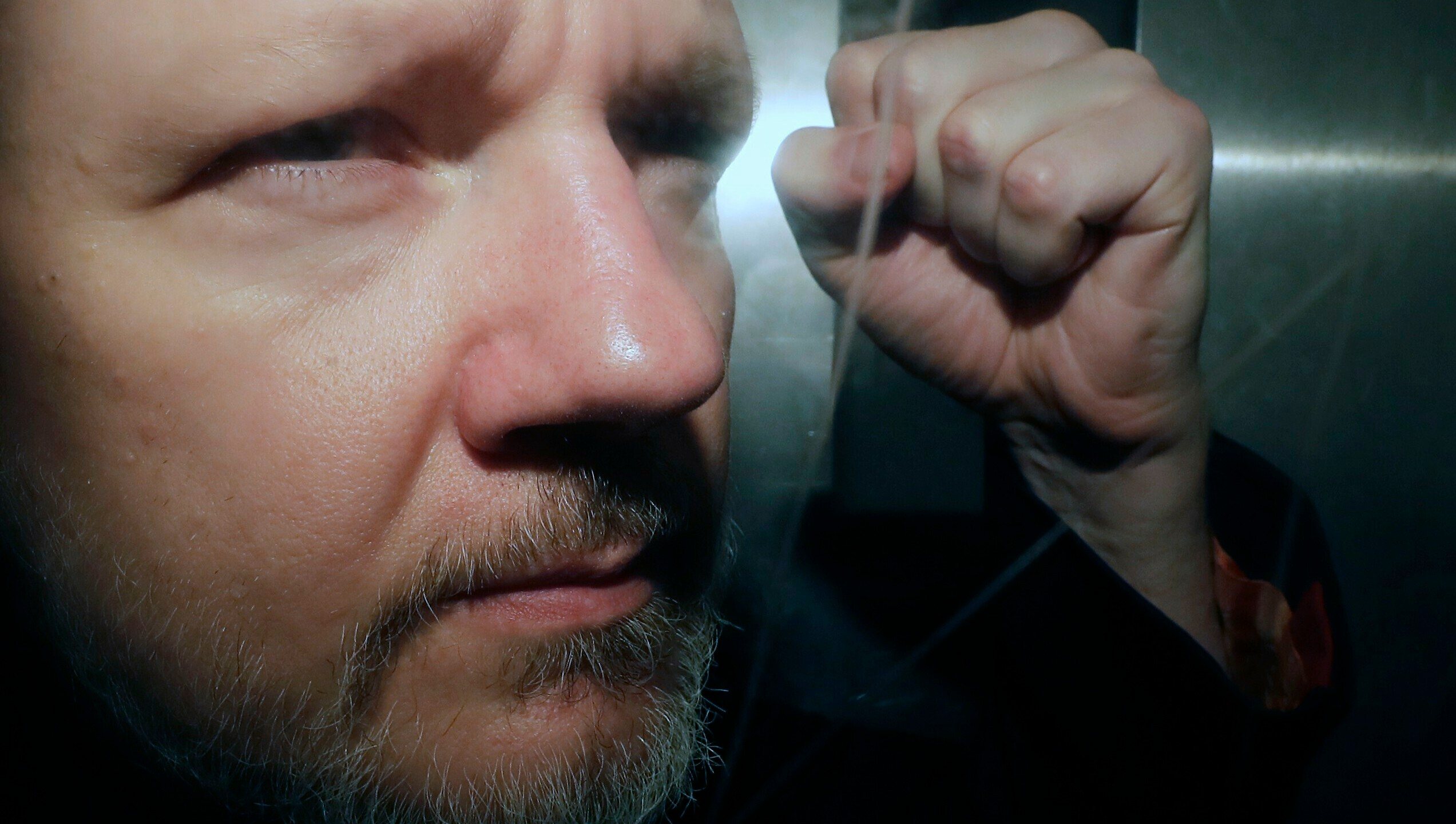 APTOPIX_Britain_WikiLeaks_Assange_45594-159532.jpg21468247