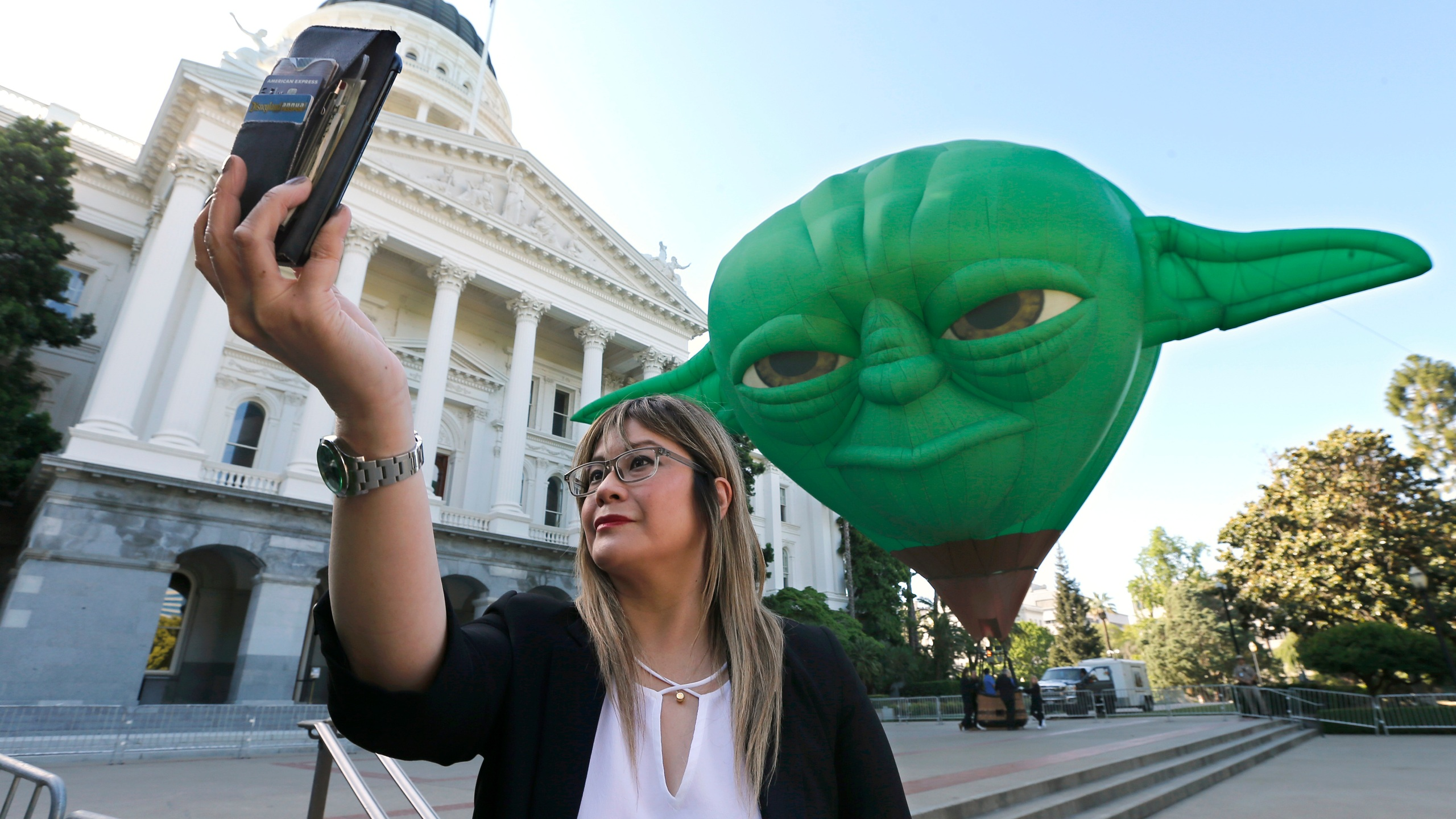 California-Star_Wars_Day_40155-159532.jpg40258602