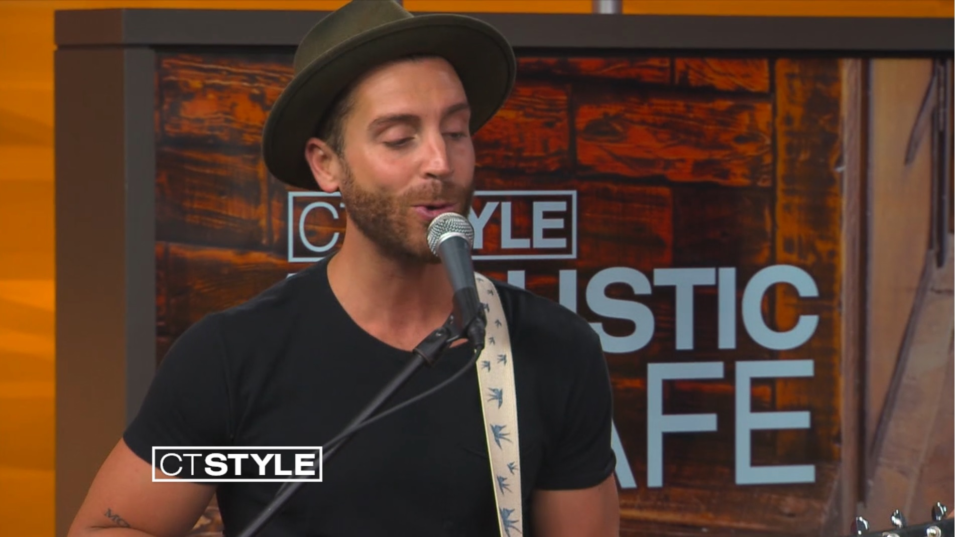 Nick Fradiani Performs Acoustic of 'EMPIRE' and Gives Advice to American Idol Hopefuls
