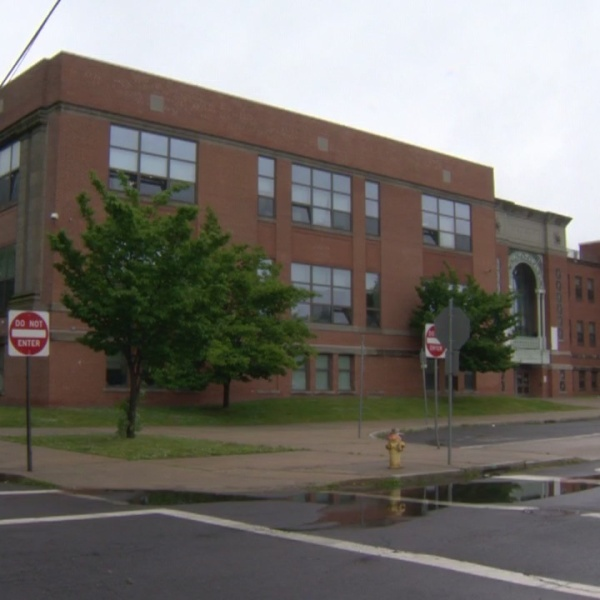 Students, teachers suffering from no AC at Truman School in New Haven