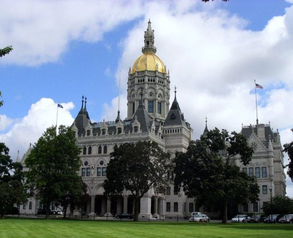 connecticut_state_capitol_hartford_1522316370528.jpg