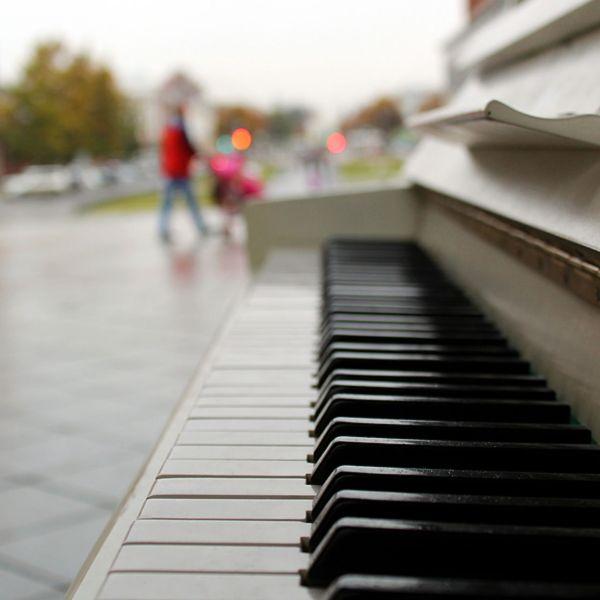 piano_1561110184796.jpg