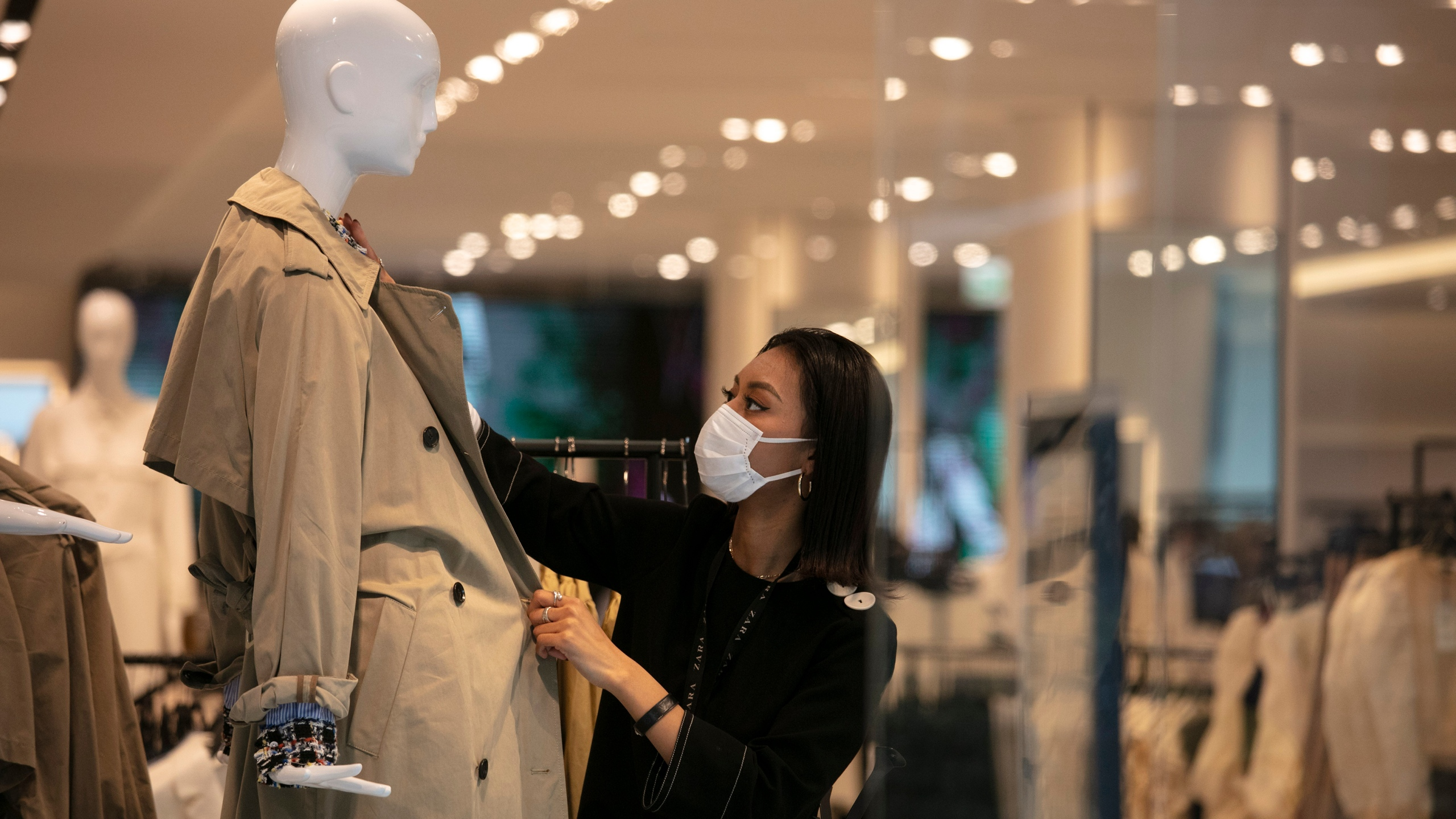 Japan S Growth Drops Amid Pandemic Worse Times Likely Ahead Wtnh Com