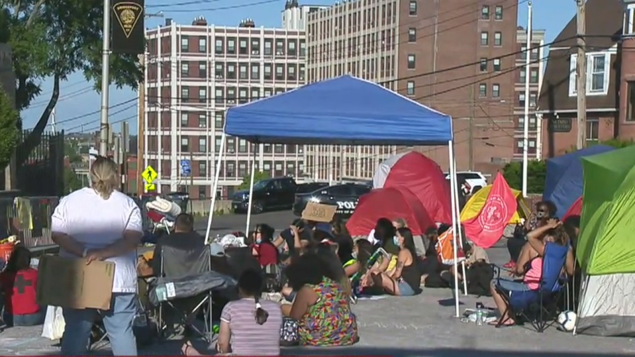 Protesters Camp Outside Bridgeport Pd Station For Second Night Call For Police Funds To Be Invested In Community