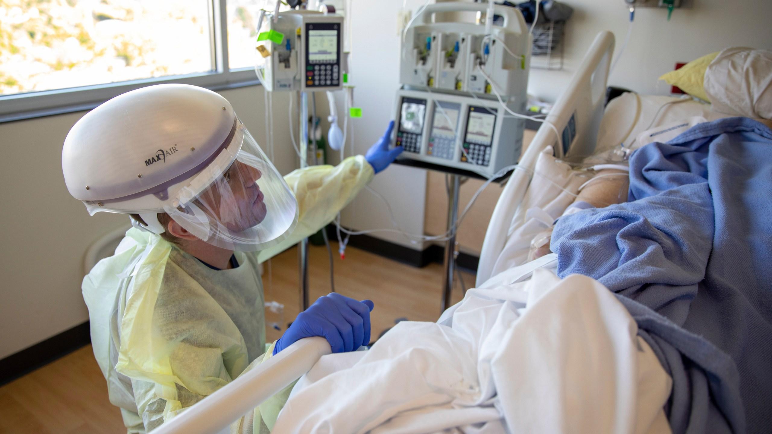 U.S. Army Medical Response Team Work With Idaho Hospital Staff